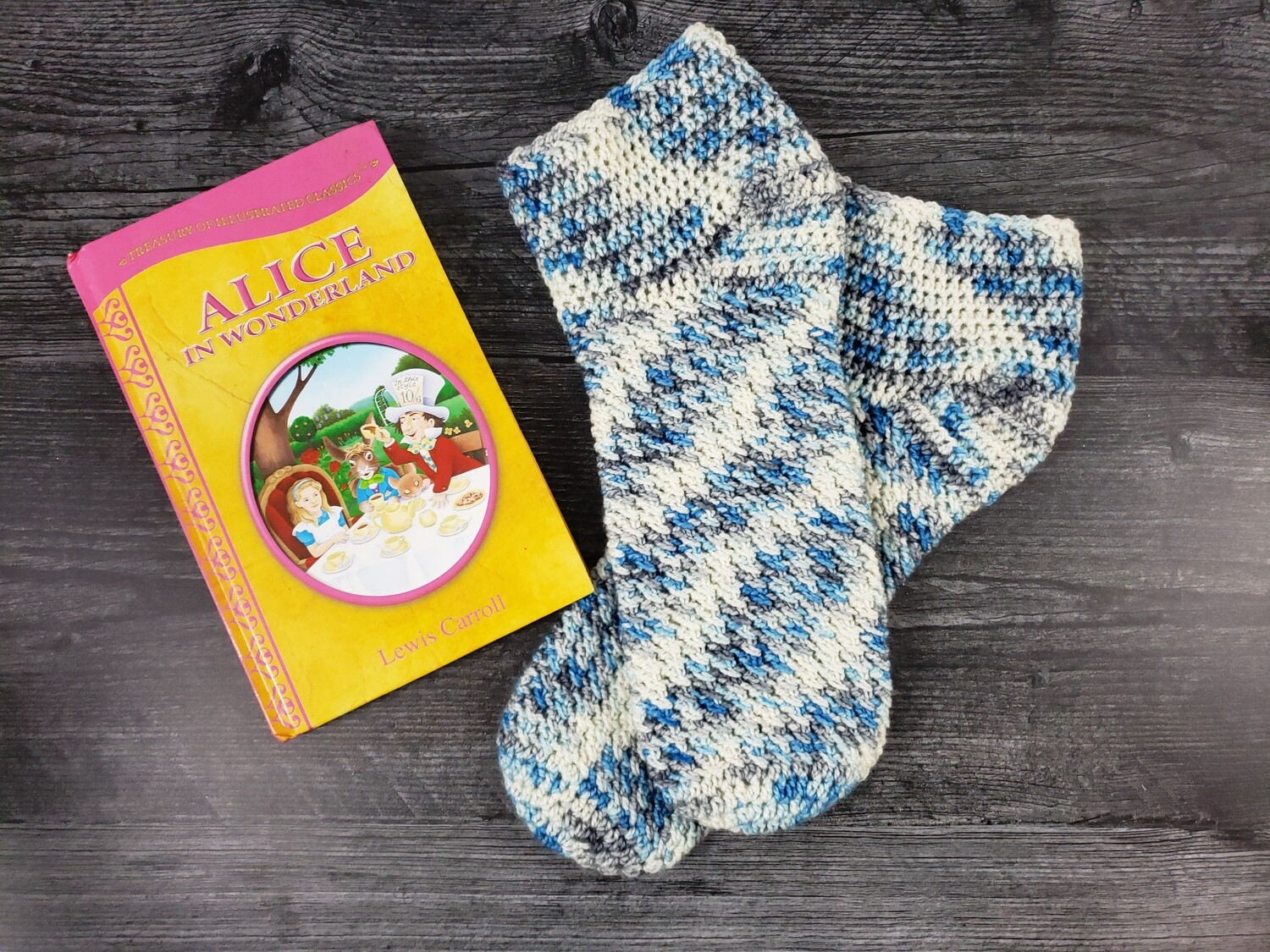 Wonderland Socks Crochet Pattern