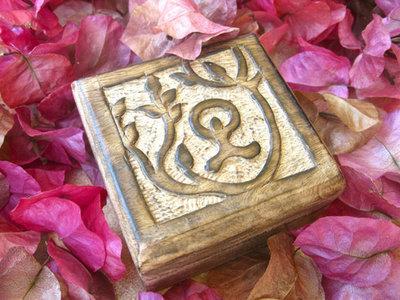 Keepsake box ~wooden, Indalo, square, small
