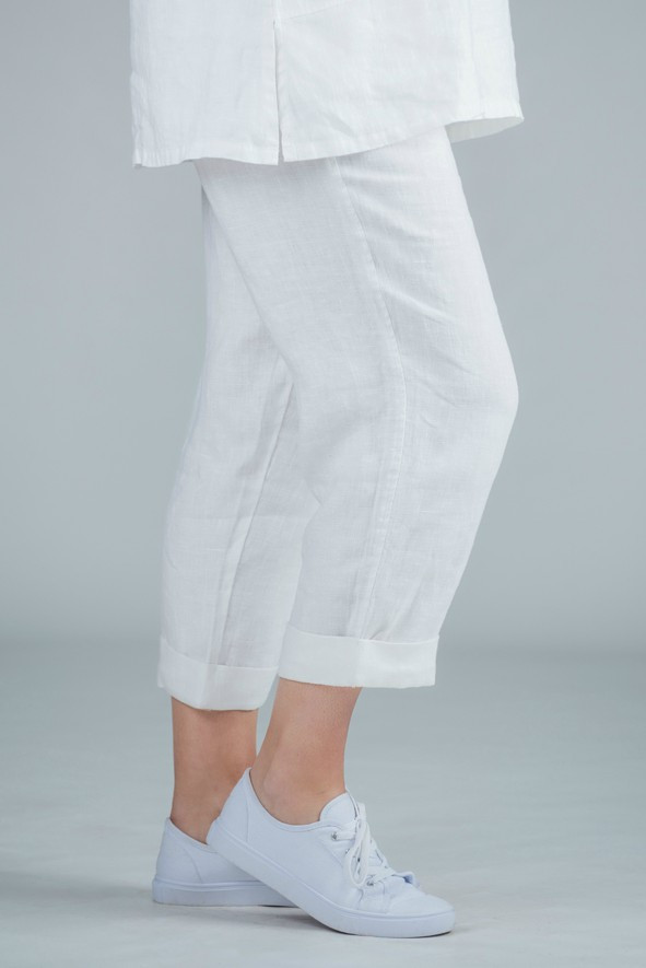 Petula - White  linen crop trousers