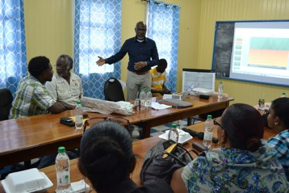 Lat week Presidential Advisor on the Environment, Rear Admiral (ret'd) Gary Best presented the proposed Green Bartica Development Plan to the Bartica Town Council.