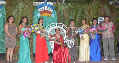 (Centre) Miss Moruca 2016 Rose Brescino and the other contestants with Minister of Indigenous Peoples' Affairs, Sydney Allicock (far right) and Minister within the Ministry of Indigenous Peoples' Affairs, Valerie Garrido-Lowe (far left)