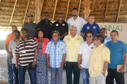 agriculture-minister-noel-holder-and-heads-of-department-with-annai-toushou