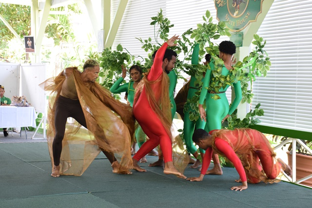 """Members of the """"Free Souls"""" dance group performs Michael Jackson's """"Earth Song"""""""