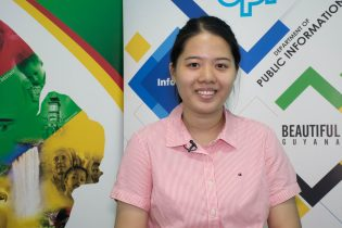 Queen's College student, Min Wen Gong who secured six Grade Ones at CAPE