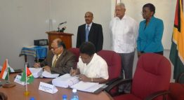 Mr. Flatts and Apollo Int. Ltd representative Mr. AjayJha while signing the contract