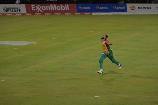 Pick of the bowlers for the Warriors, Imran Tahir celebrating one of his two wickets against the Tawallahs