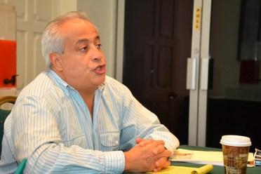 Disaster Risk Management Consultant, Mr. Fernando Aragon addressing stakeholders at the meeting.