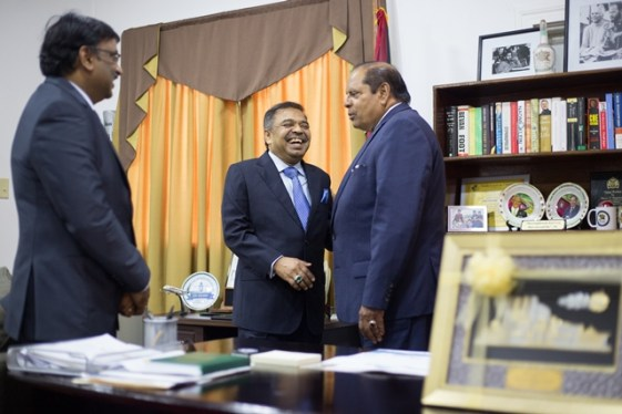 Prime Minister, Moses Nagamootoo shares a light moment with some members of the Malaysian delegation.
