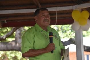 Minister Allicock addressing the residents of Karasabai.