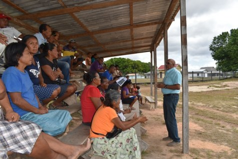 GWI's Managing Director addresses Achawib residents.