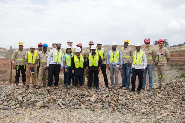 Minister of Natural Resources, Raphael Trotman with South Africa's Deputy Minister of Mineral Resources, Godfrey Oliphant, his delegation and Management and staff of Aurora Gold Mine at the company's Mazaruni operations.