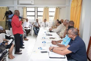 An Essequibo farmer shares his concerns with Prime Minister, Moses Nagamootoo and Minister of Agriculture, Noel Holder.