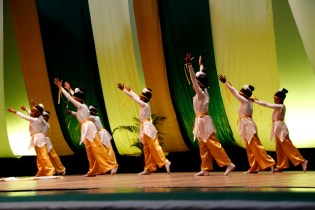 Parfait Harmony Primary students performing in the Dance 5 to 7 years (Group) category.