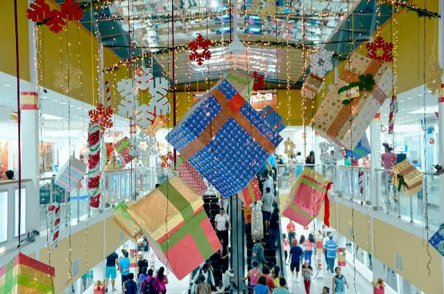 Some of Sameer's Christmas design for the Giftland Mall.