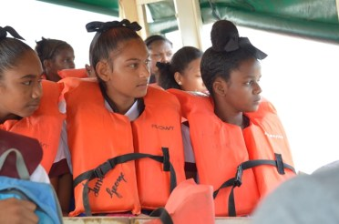 Students from Itaballi on a David 'G' Boat.