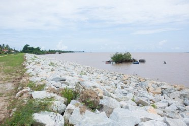 $334M sea defence at Success on the island of Leguan.