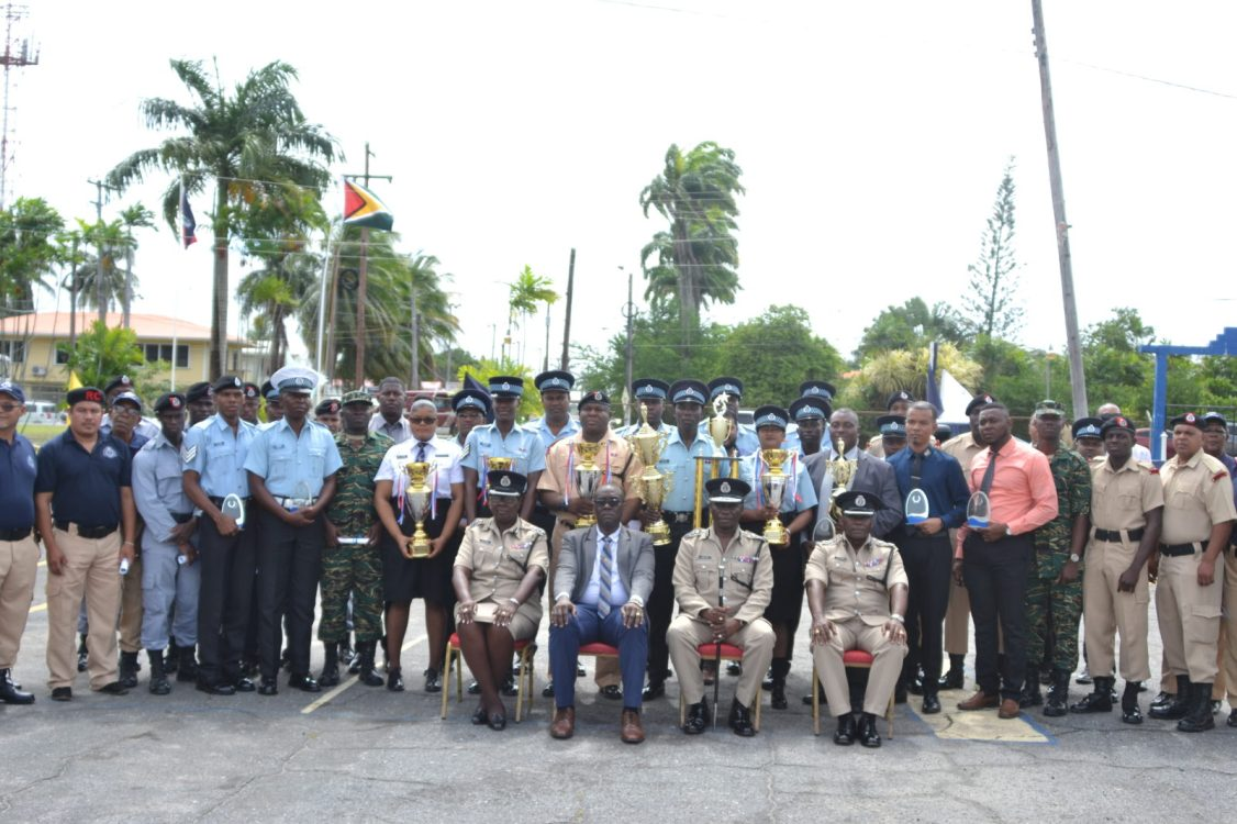 Awardees with Commissioner of Police