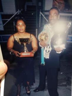 "Former WBC Cruiserweight Champion Wayne ""Big Truck"" Braithwaite with his mother in happier times"