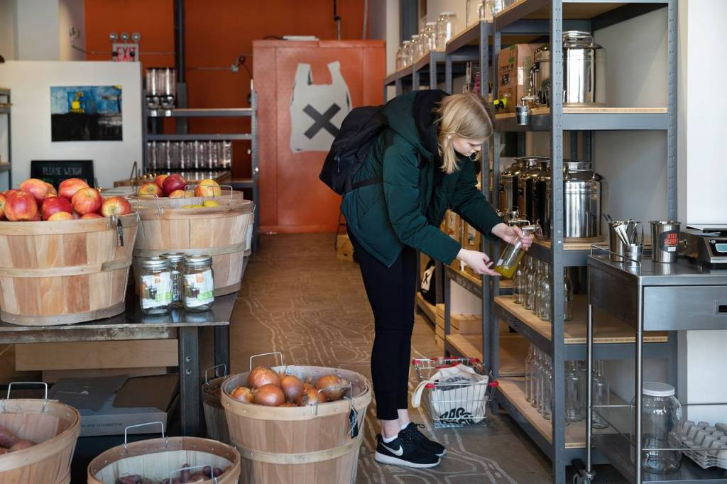 Can Zero-Waste Grocery Stores Make A Difference? (#GotBitcoin?)