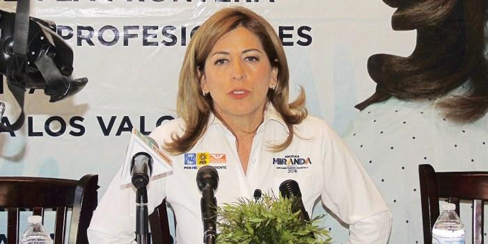 Angélica Miranda expone propuestas con visión ciudadana