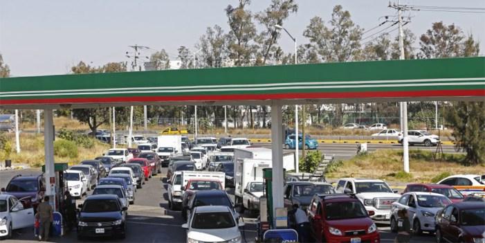 Pierden 2 mil millones de pesos Jalisco y Guanajuato por desabasto de combustibles