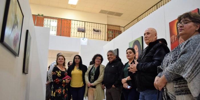"""Inaugura Imfoculta galería """"Colores sin fronteras"""""""