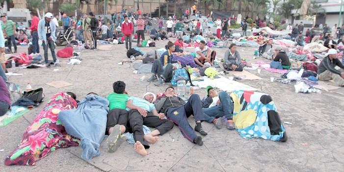 Ejército brinda alimentos a migrantes varados en Chiapas