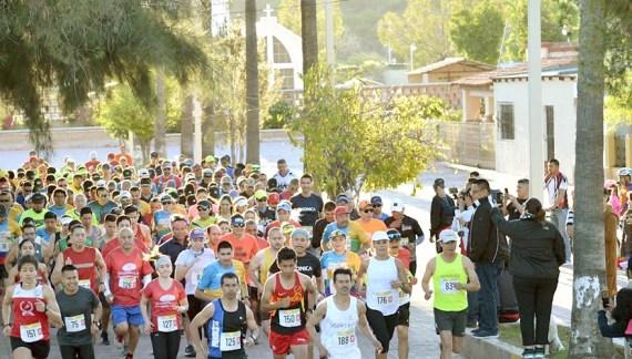Participan más de 500 corredores en el 2do 21k Trail en el Río Sonora