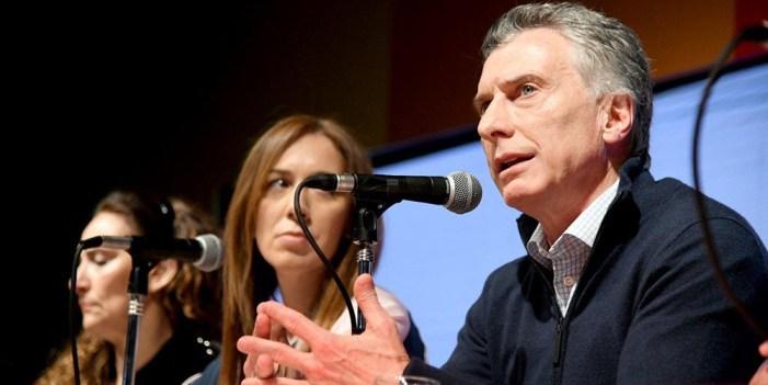 Pánico en mercados financieros de Argentina tras derrota Mauricio Macri