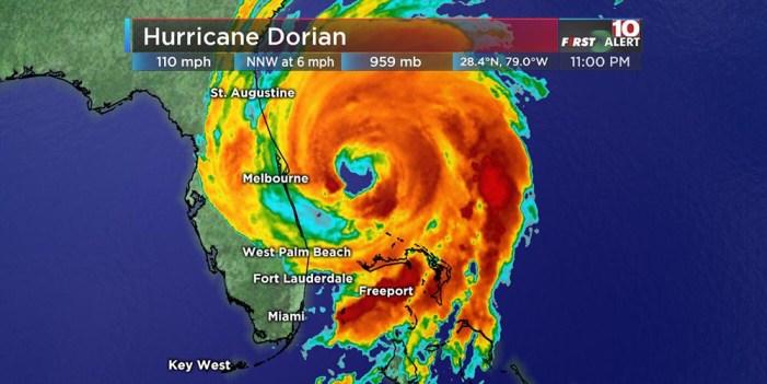 Dorian marcha a paso lento rumbo a Florida