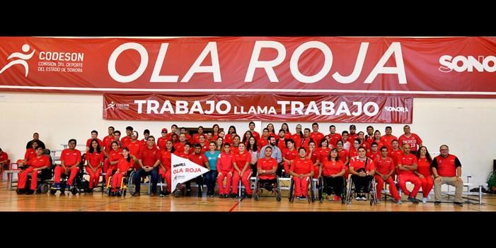 Abandera Gobernadora de Sonora atletas de la Ola Roja