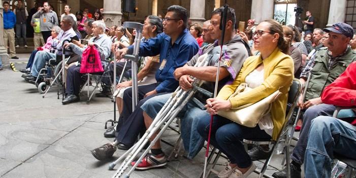 Pide AMLO más empleos para personas con discapacidad
