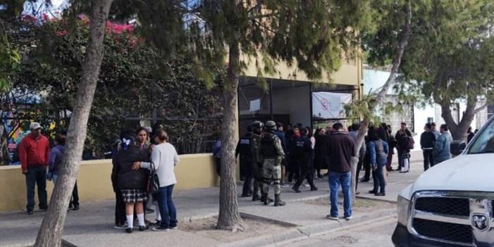 Confirman 2 muertos y 6 heridos en escuela de Torreón