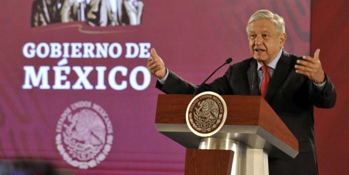 """Pese a """"encontronazos"""", habrá democracia sindical: AMLO"""