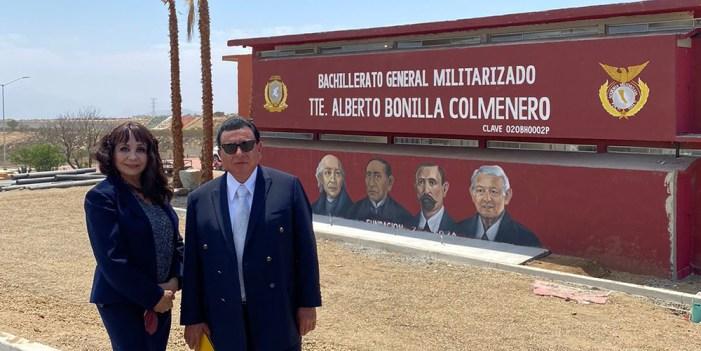 Miran a López Obrador como un héroe