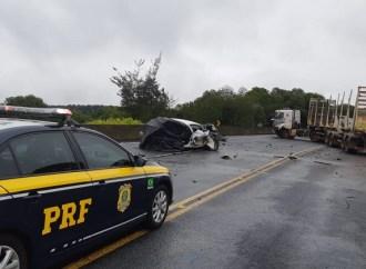Grave acidente causa a morte de motorista na BR-376 em Tibagi