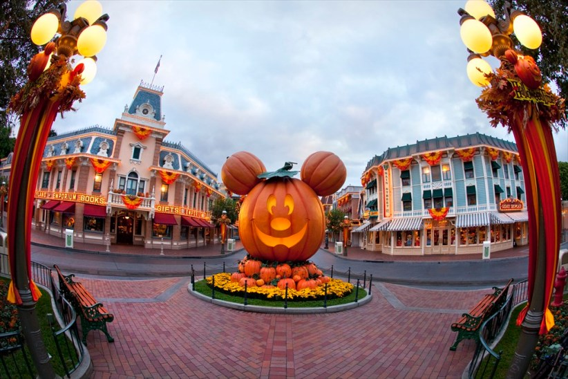 HALLOWEEN TIME AT THE DISNEYLAND RESORT (ANAHEIM, Calif.)  (c)Disney