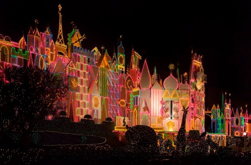 """IT''S A SMALL WORLD"" HOLIDAY (ANAHEIM, Calif.) (c)Disney"