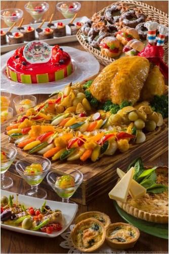 """「シャーウッドガーデン・レストラン」""""クリスマス・ファンタジー""""ブッフェ(ランチ・ディナー共通)  (c)Disney"""