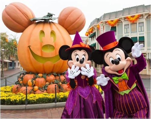MICKEY MOUSE AND MINNIE MOUSE CELEBRATE HALLOWEEN TIME (ANAHEIM, Calif.)  As to Disney artwork, logos and properties:©Disney