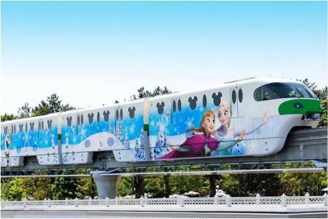 アナとエルサのスノークリスタル・ライナー(外装) (c)Disney