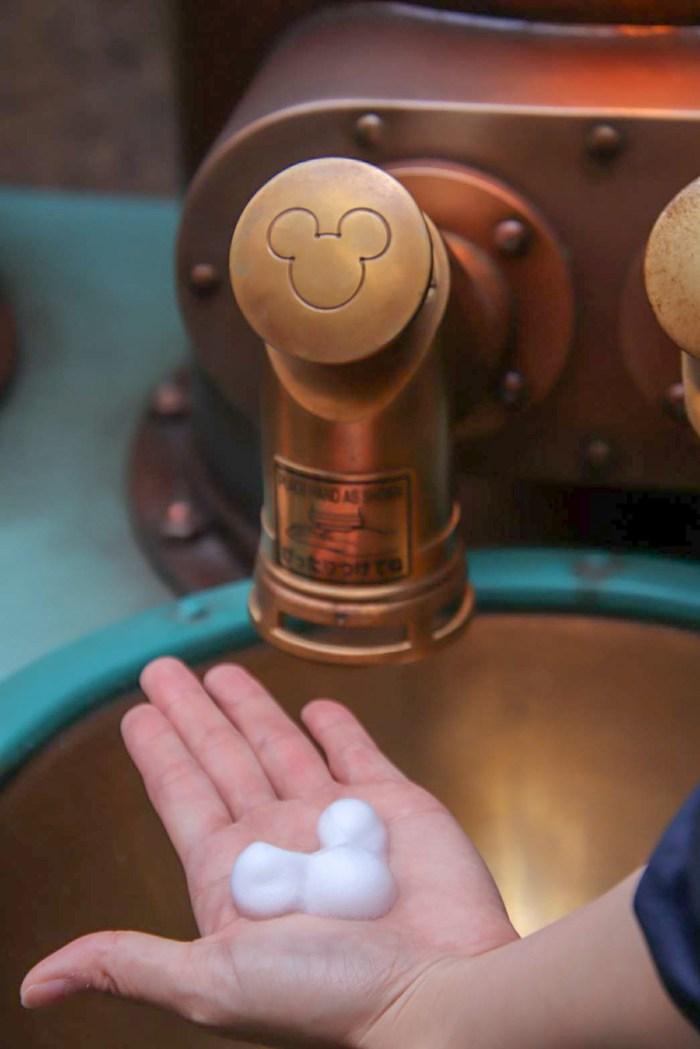 新ハンドウォッシングエリア(Photo by Takashi Tokita) (c)Disney