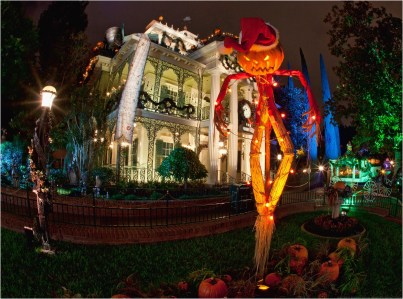 """HALLOWEEN TIME AT THE DISNEYLAND RESORT (ANAHEIM, Calif.) ñ Haunted Mansion Holiday brings the frightfully fun cheer of ìTim Burtonís Nightmare Before Christmas"""" to the Disneyland Resort. Halloween Time at the Disneyland Resort returns from Sept. 7 through Oct. 31, 2018 with spooky seasonal dÈcor, themed food and beverage offerings and attractions that get a seasonal overlay for Halloween (Paul Hiffmeyer/Disneyland)"""