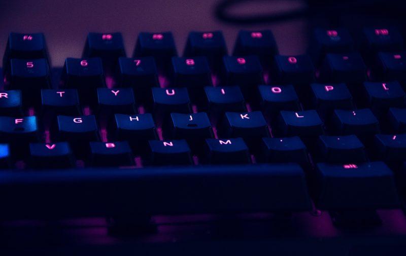 FPSやMOBAに最適な、おすすめのゲーミングキーボード【実機レビュー含む】