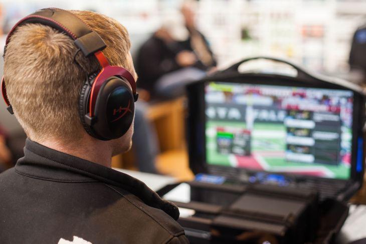 ゲーム実況(配信)におすすめの機材をピックアップ。ゲーマーからストリーマーになろう