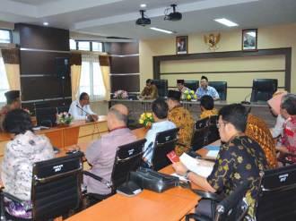 Suasana Diskusi tentang Kode Etik Tata Cara Beracara Badan Kehormatan antara Pansus DPRD Provinsi DKI Jakarta dan DPRD Provinsi NTB