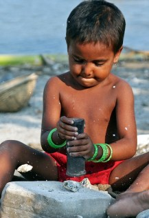 TO GO WITH STORY 'INDIA-CHILD-LABOUR-RIG