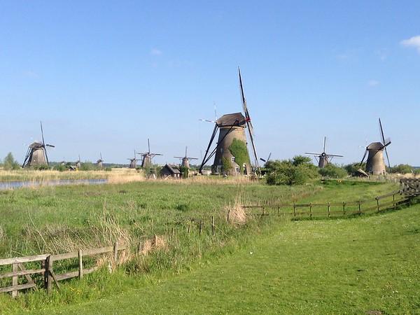 Rhine Cruise: Kinderdijk
