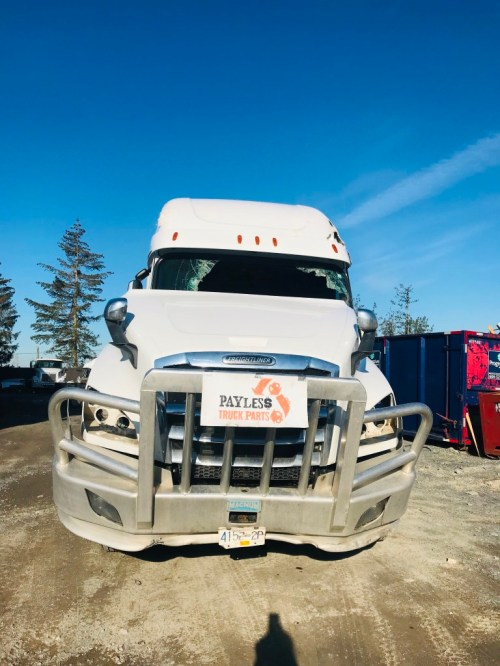 small resolution of 2018 freightliner cascadia