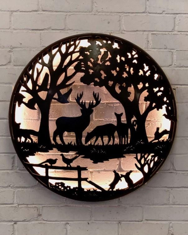 Illuminated Wall Mount - English Country Design 725mm